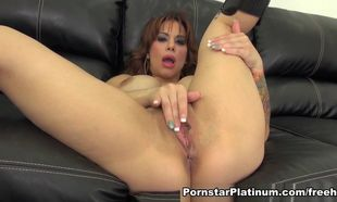 Alyssa Lynn in Super-naughty & Nude -..