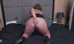 Obese mature mommy needs a fine drill