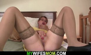 Kinky gfs mother railing his hotwife..